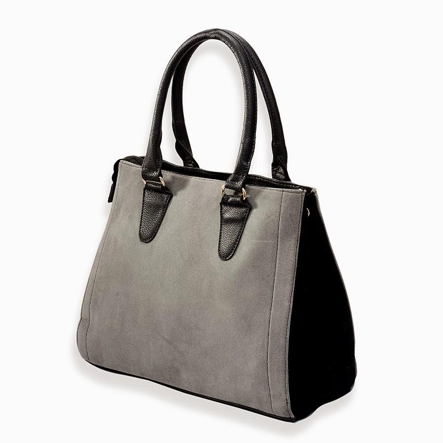 Gray color shoulder bag.