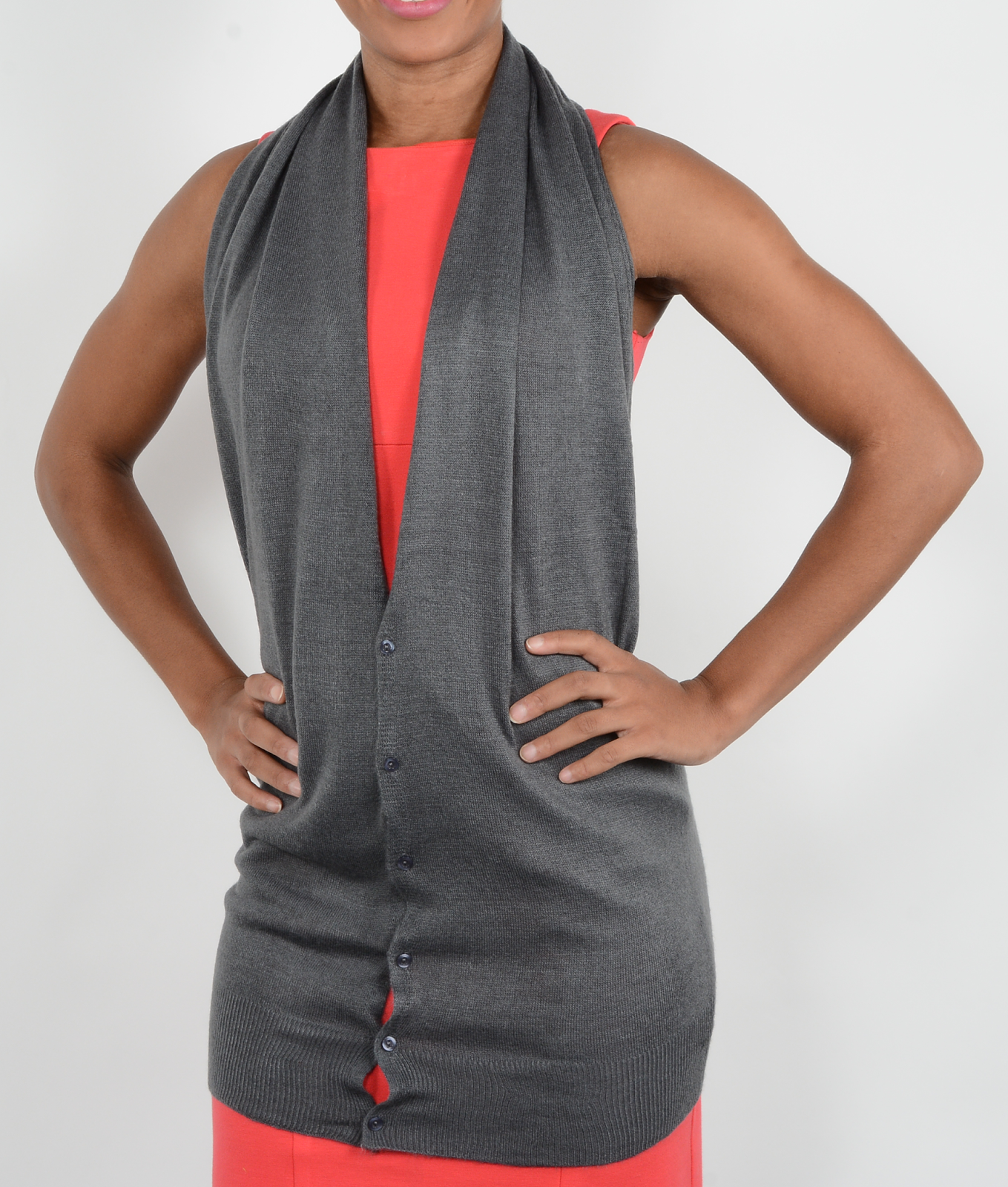 Gray color button scarf in halter neck style.